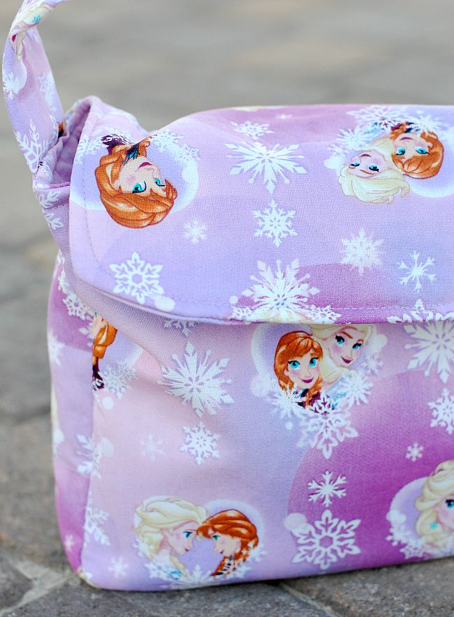 With back to school coming (ack!!!) I thought it might be fun to give you a new lunch box option to sew for the kiddos (or grandkids) this year. I gave…