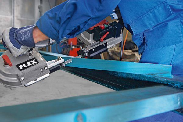 Elektronik şerit testere FLEX SBG 4910, profesyonel şerit testeredir.  #flex #machine #insaat #innovative #technology #teknoloji #turkey #cutting #kesme #makineler #perfect #tadilat #elektronik #saw #testere #kesmek #atlas #professional #profesyonel #yenilik #usta #master   http://www.ozkardeslermakina.com/urun/serit-testere-flex-sbg-4910-elektronik/
