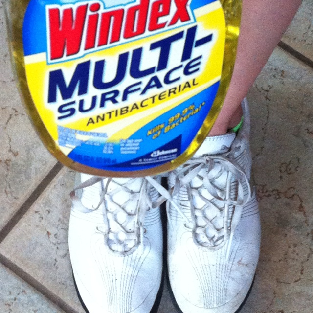Cleans white leather shoes like magic