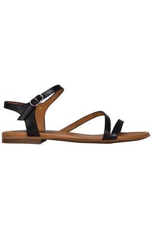 Sandaler for eksempel disse fra Billi Bi str. 36