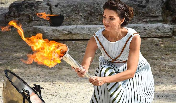 Olympic Flame Lighting Ceremony for Pyeongchang 2018 (video) | GreekReporter.com
