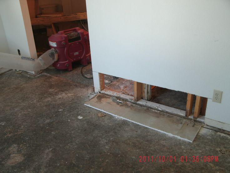 hydrogen peroxide bathroom molds
