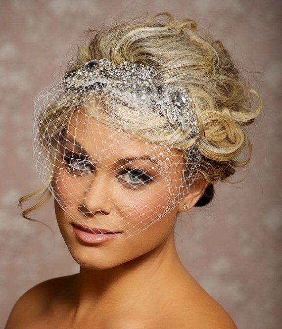 Headpieces For Wedding Hair Up: 25+ Best Ideas About Birdcage Veils On Pinterest