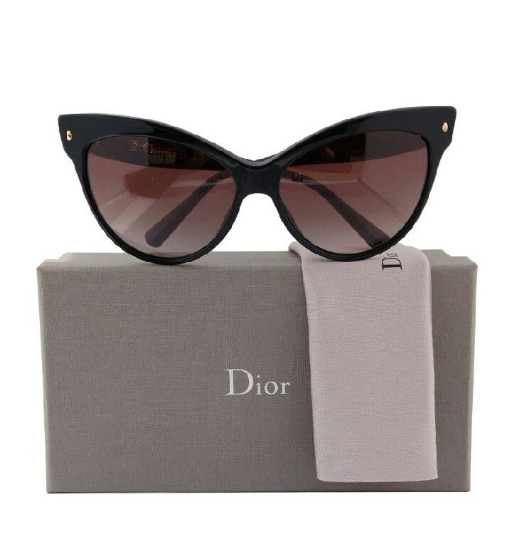 50s style flare with Dior sunglasses...