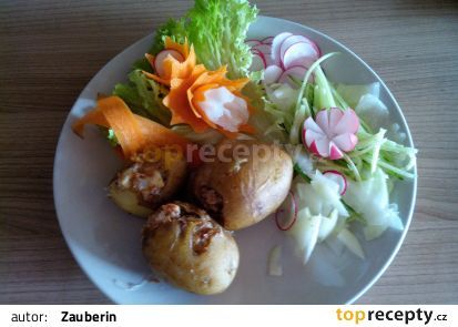 Zapečené plněné brambory se sojovým masem recept - TopRecepty.cz