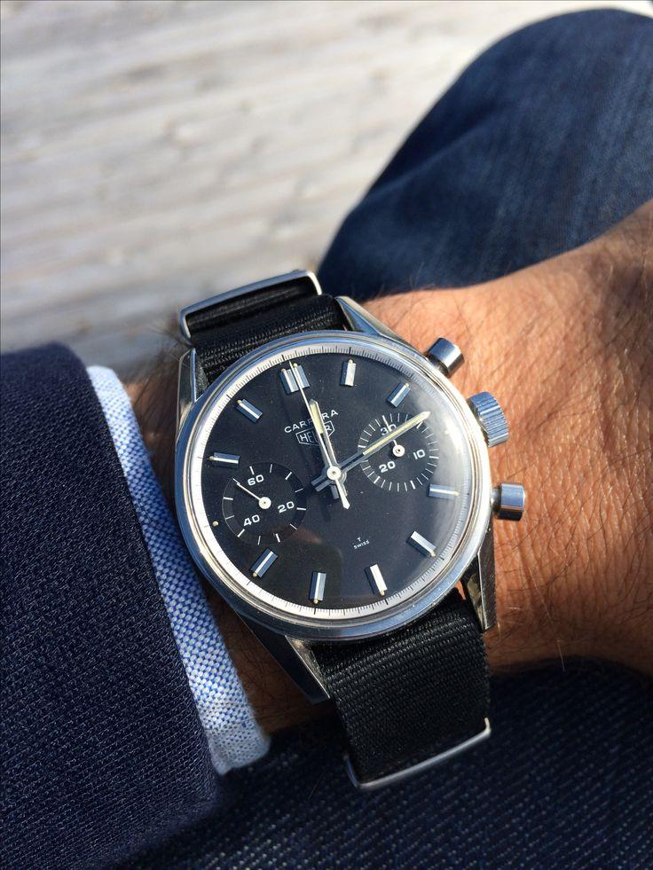 Sobre et efficace cette Heuer Carrera montée sur un bracelet nato noir #style…