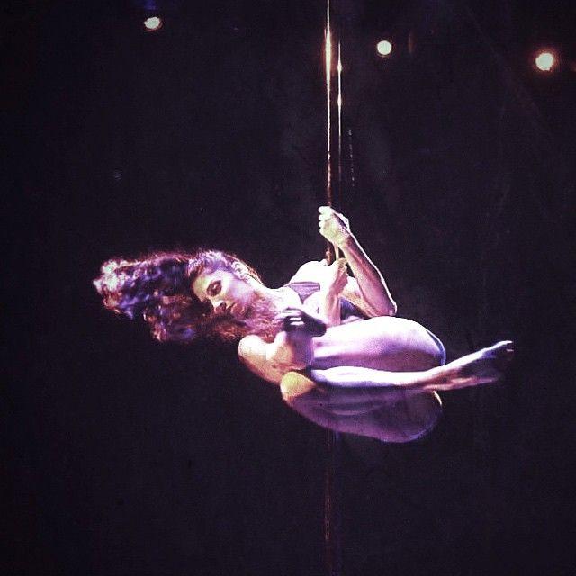 Determined mind. Determined body. #bepolestrong #polestrong #poledance #polemovement #polefitness #polespin #poletuck #aerial #polelife #polejouney #poleathlete #poledancer #bodyandpole #bodymindpole