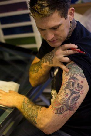 83 best images about ink master on pinterest ink master tattoo artists and tattoos. Black Bedroom Furniture Sets. Home Design Ideas