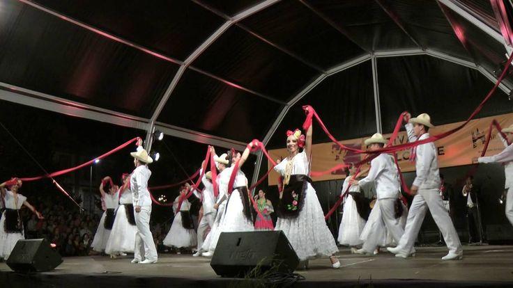 Mexican folk dance: La bamba & Zapateado