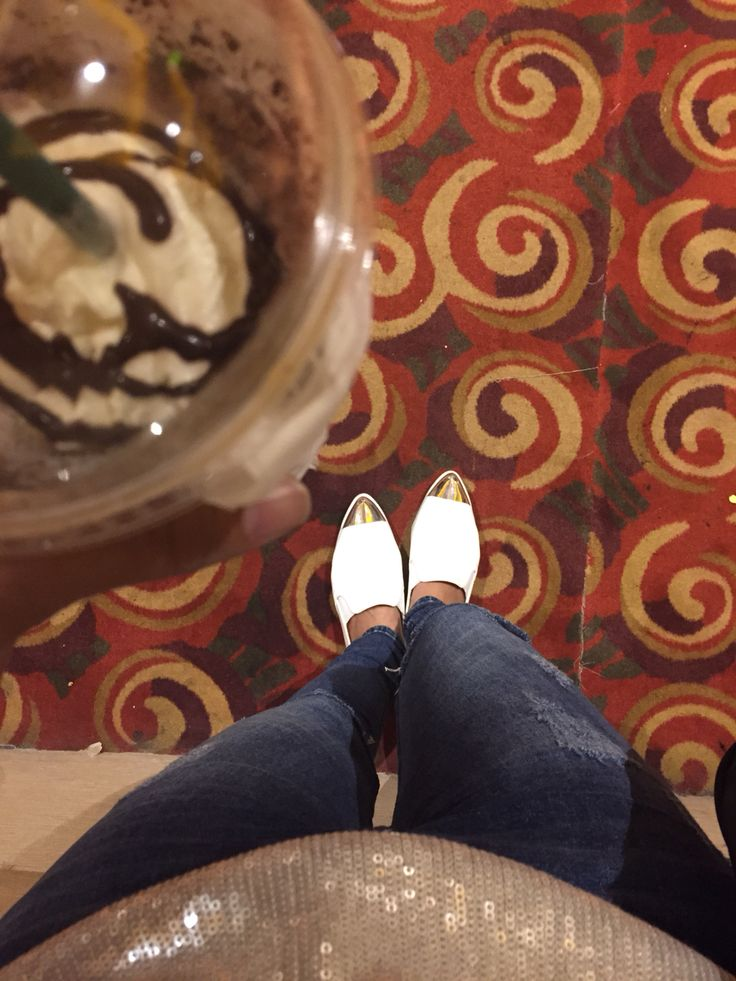 Pin white shoes
