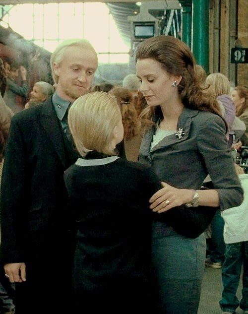Malfo Draco, wife and son...years later.  Note: This is or was Tom's real life girlfriend.