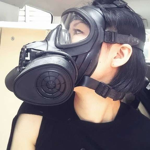 Pin By 56 Tzghbn On Military Gas Mask Girl Mask Girl Gas Mask