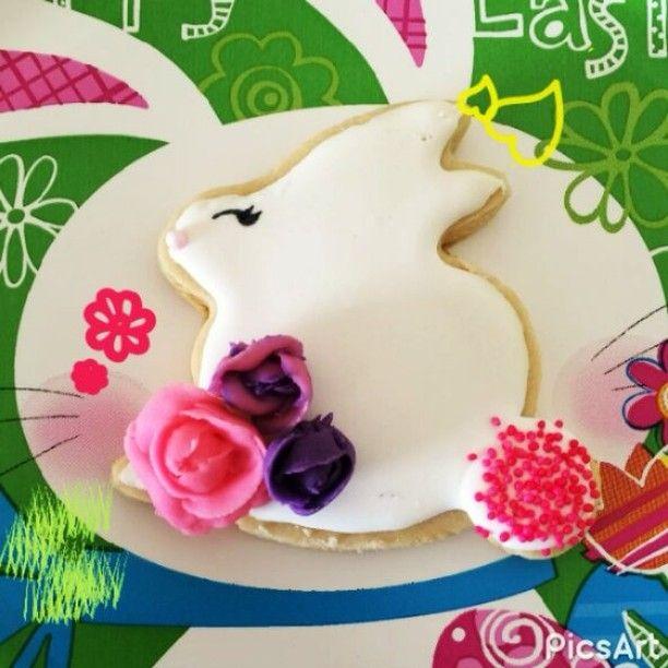 No te quedes sin las tuyas!! 🐇🐥🌹 Cupcakes, galletitas y dulces de pascua 🎉 . . . #lachorrera #panamaoeste #costaverde #arboledas #panamapacifico #panama #altosdelcampo #cakespanama #fiestaspanama #candybarpanama #vistaalegre #arraijan #nuevoarraijan #capira #panamapacifico #coronado #chame #pty #panamacity #mickeymouse #cakepopspanama #cupcakespanama  Pedidos y cotizaciones al 68170553 #sandiegoconnection #sdlocals #coronadolocals - posted by Welli's Pastelería Creativa…