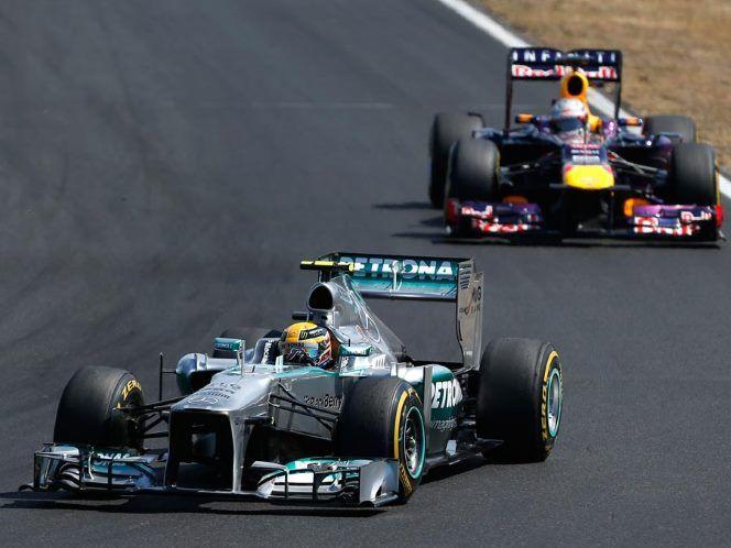 Hamilton leads Vettel! GP Hungary 2013