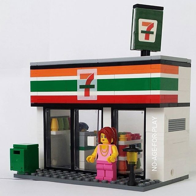 Let's go shopping at 7 eleven #bricks #shop #store #7eleven