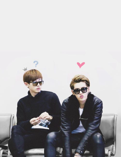 Chanyeol and Kris.. Lol chanyeol is confuse with kris oppa's showing love like that ^_6