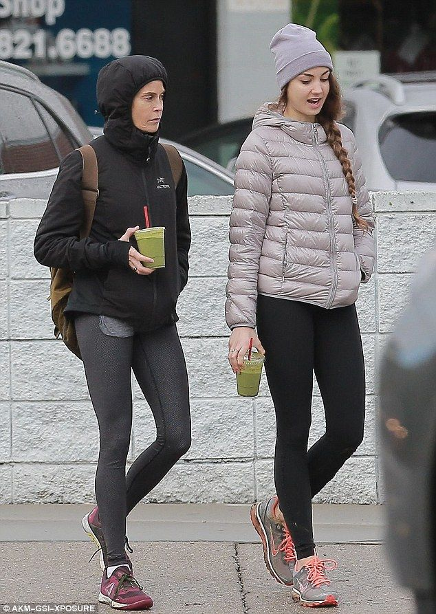 Family bonding: The Golden Globe winner later grabbed healthy green smoothies with the 19-...