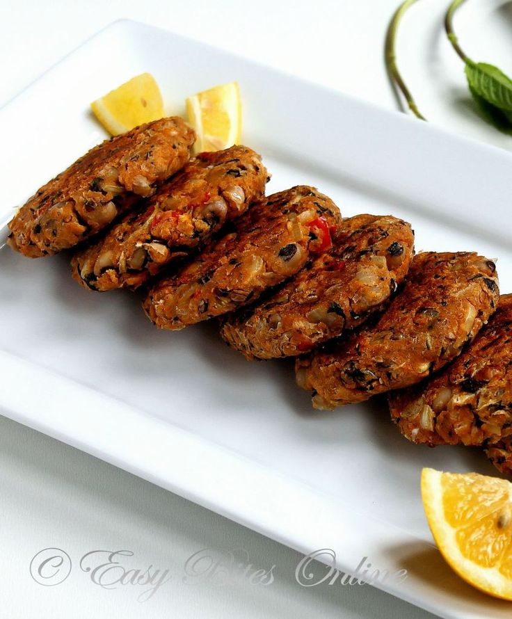 Black eyed bean/peas patties with onion, garlic, red and yellow bell peppers. High #protein, fiber, #vegan, can be #gluten-free.