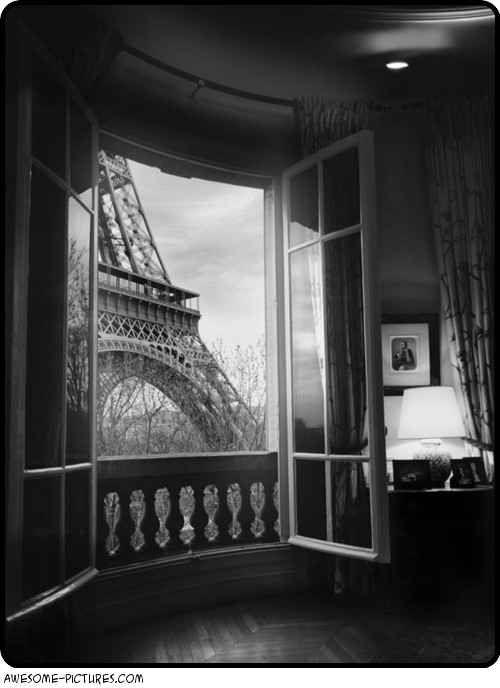 Awesome Paris Room