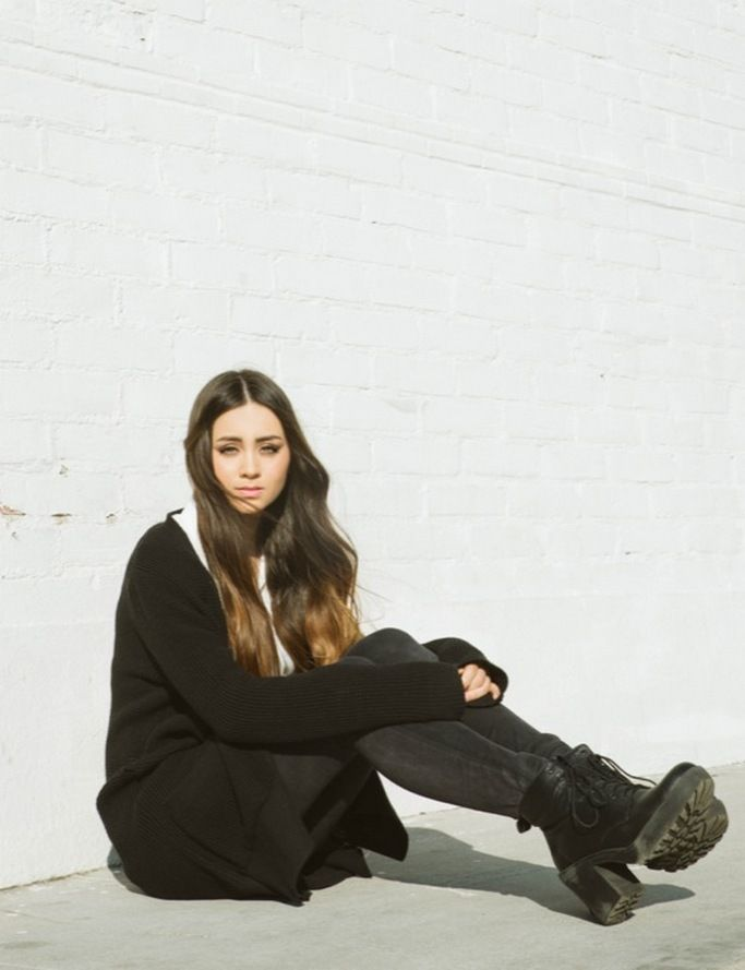 Jasmine Thompson is stunning.