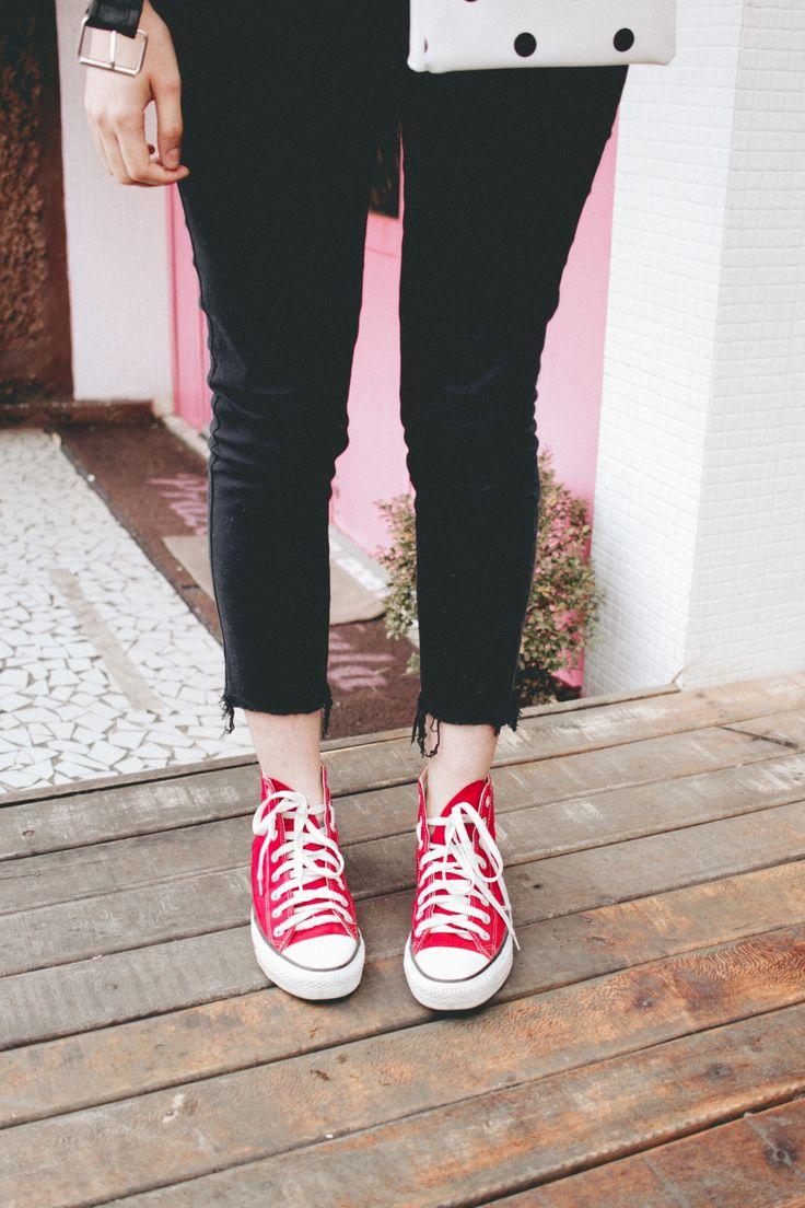 Look do dia GIRL POWER no blog! Composição feitas com peças simples e básicas do dia a dia, com um resultado cheio de atitude! Vem ver mais fotos <3