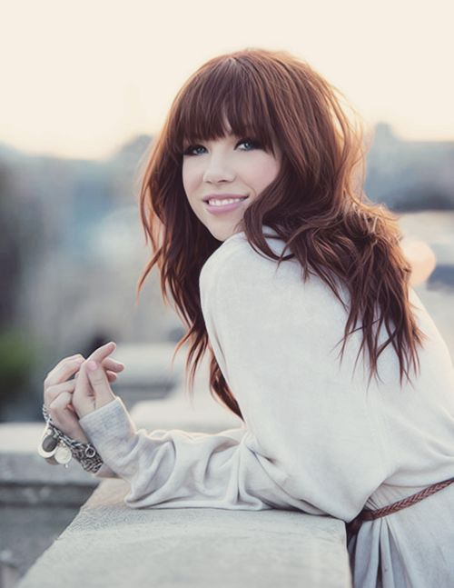 Carly Rae Jepsen.... Holy crap.. I share a birthday with her.. Only am hopelessly music fan and also a cool laser physician