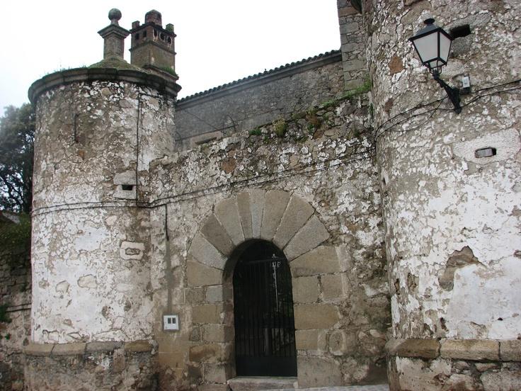 Castillo de Brozas. Sede de la Encomienda Mayor de la Orden de Alcántara.