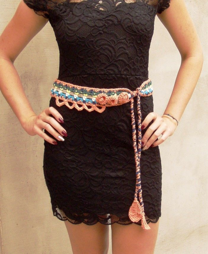 Refresh your wardrobe with this pretty, boho crocheted belt. You can tie it on your waist, you can wear it as a necklace, a bracelet or a headband. You can put this on with a dress, a beachwear or …
