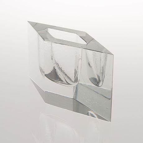 "TIMO SARPANEVA - Art glass sculpture ""Kohinor"" (h. 9 cm, w. 19,5 cm) for Iittala 1983, Finland."
