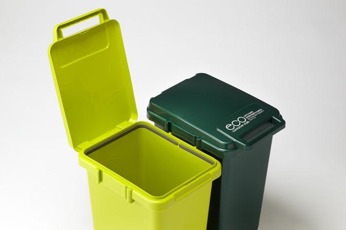 45L  ふた付ゴミ箱 屋外にも置けておしゃれなゴミ箱ですhttp://item.rakuten.co.jp/interior-cozy/cs2-45jgr/。