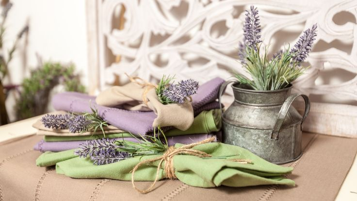 🌞🌿💜💚Have you ever thought of sewing napkins with lavender threads? Could you possibly imagine what a beauty you can craft with those two hands of yours?
