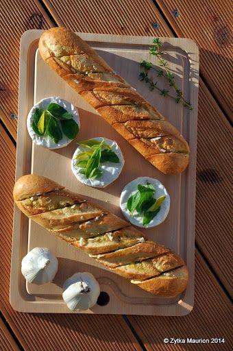 Grillowane 5C – cukinia, cebulka, camembert, chleb z czosnkiem | Oderwane i przyklejone
