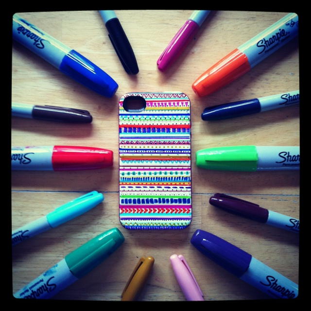 sharpie phone case! wishing I was artistic enough...