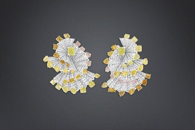 Orecchini con diamanti gialli Archi Dior