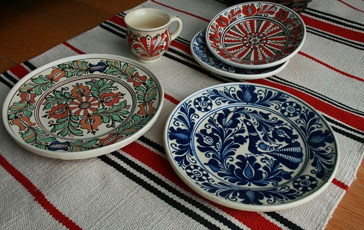 traditional Romanian pottery - Corund pottery