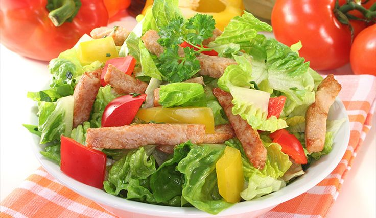 Uno de los elementos básicos para acompañar las dietas son las ensaladas para adelgazar, la combinación de verduras, legumbres y las frutas son indispensable no solo para bajar de peso, sino que tu cuerpo se beneficia de estas y son unas de las mejores comidas adelgazantes. Las ensaladas contiene gran cantidad de vitaminas y antioxidantes...