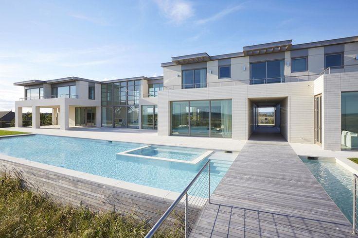 212 DUNE ROAD, QUOGUE - Hamptons Real Estate