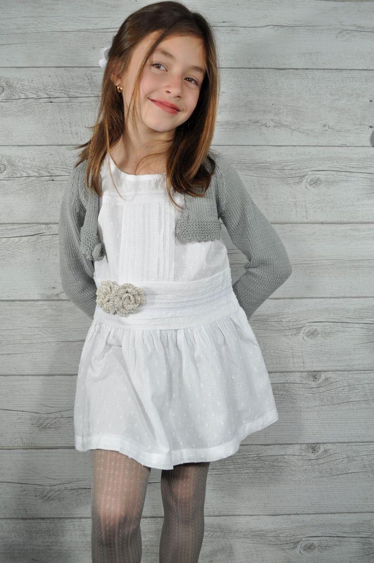 Medias caladas para niñas en color gris perla