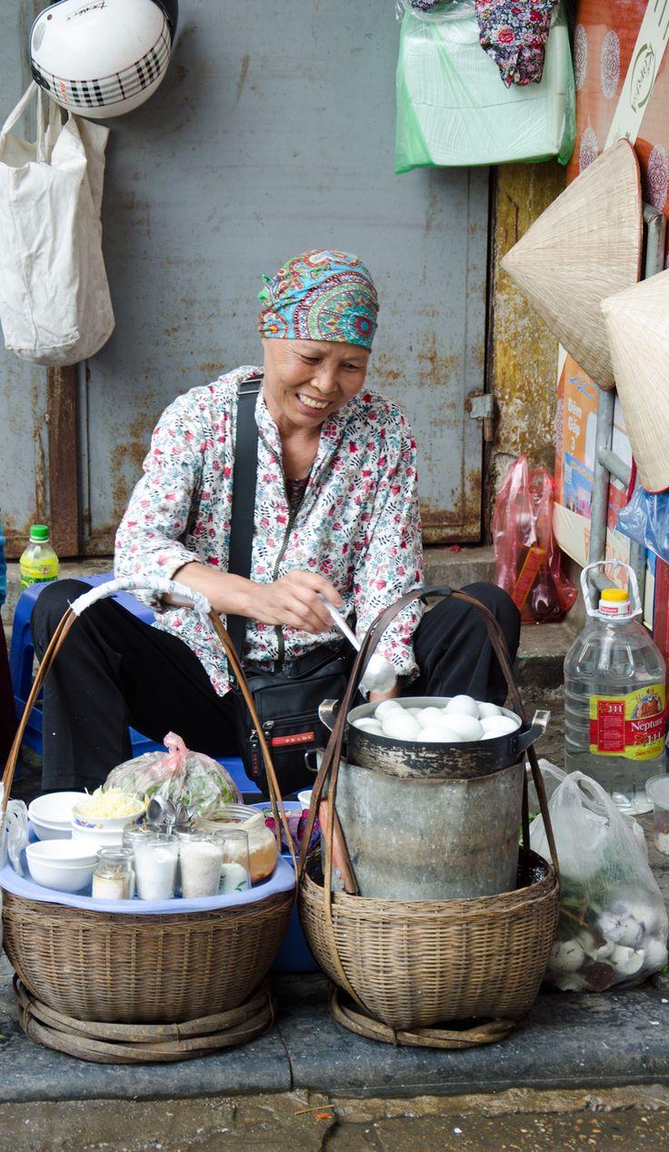 Balut vendor, Hanoi. Street Food Guide: http://www.foodandthefabulous.com/featured-articles/hanoi-vietnam-a-tasting-guide/