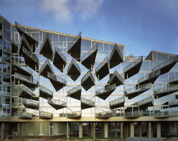 JDS/JULIEN DE SMEDT ARCHITECTS, BIG - Bjarke Ingels Group, Johan Fowelin, Tobias Toyberg · VM Houses · Divisare