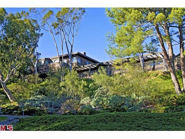 Sally Field's $6.95 Million Malibu Home  by hookedonhouses on April 8, 2009