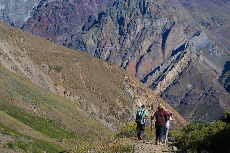 mirando Placa verde y Roja, sectores de escalada en el cajón del Maipo.