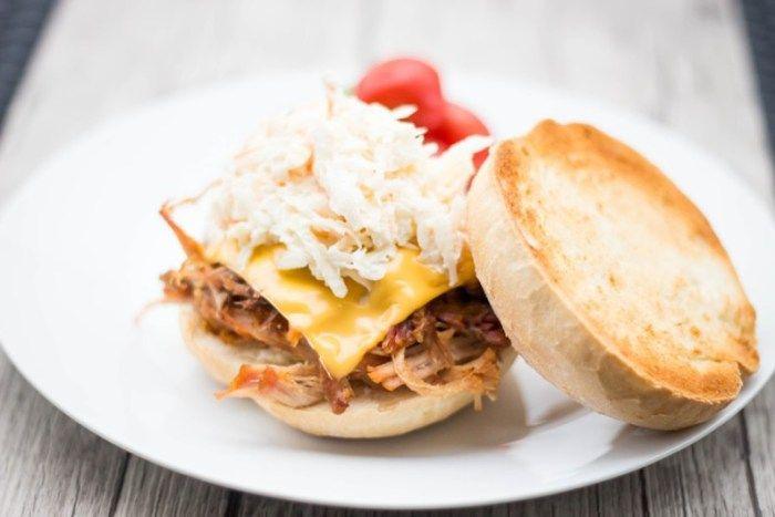 mmcooking-pulled-pork-rwana-wieprzowina-solanka-zioła-przyprawy-pieczona-długo-hamburger-burger-colesław-coleslaw-smacznie-dużo-zdrowo-obiad-danie-przekąska
