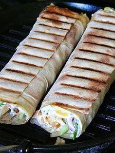 Лаваш на гриле. Сегодня хочу вам предложить приготовление горячей закуски на гриле. Лаваш, с начинкой приготовленный на гриле идеально подойдёт для пик... - Сага Камины - Google+