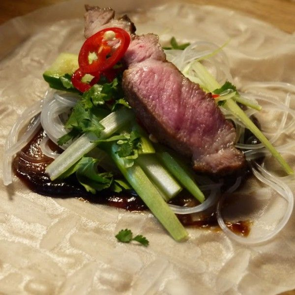 Vietnamesiske vårruller med svin og glassnudler