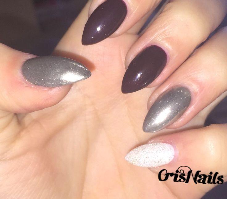 #nail #nails #unghie #unghiegel #gel #ricostruzione #bordeaux #bianco #glitter #argento #specchio #mandorla