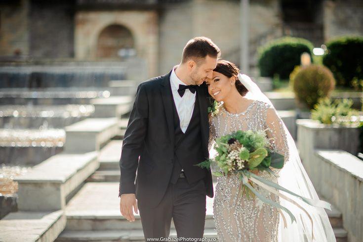 Outdoor wedding | bride and groom posing ideas  #grabazei #outdoorwedding #nuntainaerliber #bucuresti #bucharest fotograf nunta bucuresti #chisinau summer
