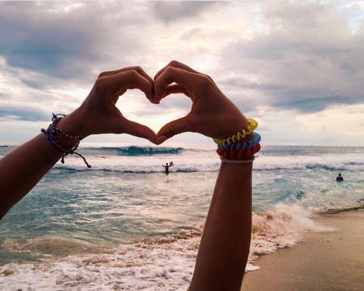 trova quello che fa sorridere il tuo cuore #hikkaduwa #beach #beachwear #flipflops #infradito