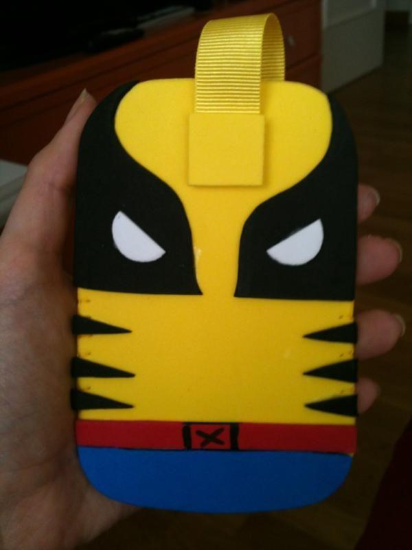 Funda Lobezno goma eva/Wolverine mobile case made with foam rubber