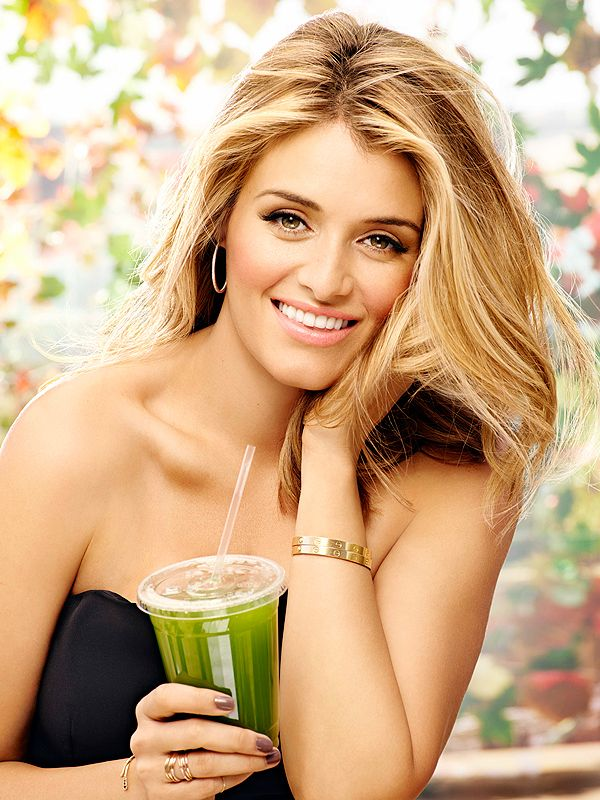 Daphne Oz: Not Bouncing Back After Baby Was aShock http://celebritybabies.people.com/2014/10/27/daphne-oz-fitness-magazine-body-after-baby/